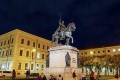 慕尼黑,德国- 2017年10月20日:路德维希骑马雕象  库存图片