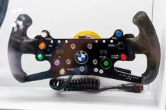 慕尼黑,德国- 2016年3月10日:BMW Sauber队一级方程式赛车汽车方向盘细节在BMW鞭痕博物馆 库存照片