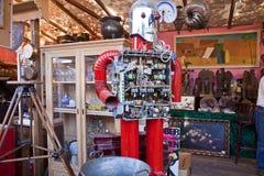 慕尼黑,逗人喜爱的老机器人在Auer Dult露天跳蚤市场上 免版税库存照片