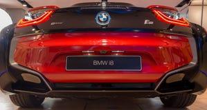 """慕尼黑†""""1月30日:在BMW鞭痕的红色BMW i8 后方射击 库存图片"""