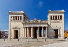 慕尼黑 在皇家正方形的曲拱 免版税库存照片