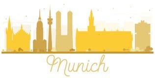 慕尼黑市地平线金黄剪影 免版税库存照片