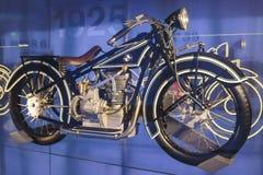 慕尼黑-德国, 6月17日:BMW R 66重的摩托车乘显示的BMW 库存图片
