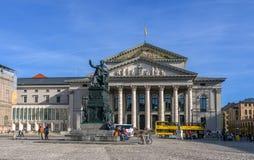 慕尼黑,德国- 2011年10月16日:国家戏院-巴伐利亚国立歌剧院 库存照片
