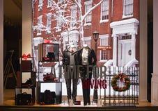 慕尼黑,德国- 2009年12月25日:时尚商店的商店窗口 图库摄影