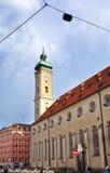 慕尼黑,德国- 2012年5月29日:Heiliggeistkirche是一个哥特式大厅教会在慕尼黑,圣灵14世纪的招待所 库存照片