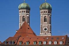 慕尼黑,德国- Frauenkirche双塔,著名landm 免版税库存图片