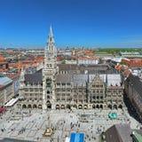 慕尼黑,德国Marienplatz广场的新市镇霍尔  免版税图库摄影