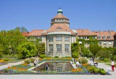 慕尼黑,植物园中央大厦春天 免版税图库摄影