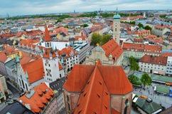 慕尼黑,巴伐利亚,德国老镇建筑学的全景  免版税图库摄影