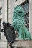 慕尼黑, GERMANY/EUROPE - 9月25日:一头绿色狮子的雕象 免版税图库摄影