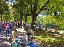 慕尼黑24 09 2016 - Lisar (读书在伊萨尔河)书跳蚤市场 免版税库存照片