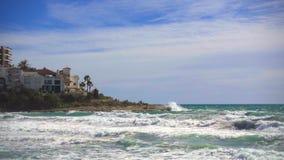 慢动作打破在肋前缘dorada的海浪沿岸航行,西班牙 股票录像