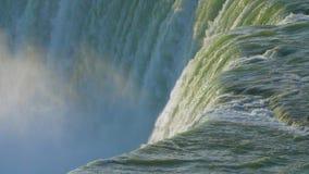 慢动作的有薄雾的庄严尼亚加拉大瀑布 股票录像