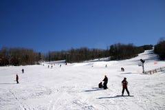 懒人山区度假村滑雪 库存照片