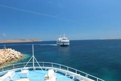 戈佐海峡线旅行在初夏 免版税库存照片