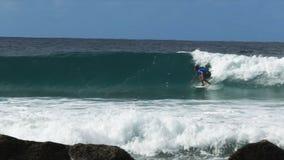 戈尔德比尤特的慢动作冲浪者 影视素材