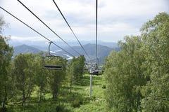 戈尔诺Altaysk架空索道 库存照片
