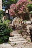 戈尔代,普罗旺斯,法国街道  免版税库存照片