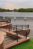 戈梅利,白俄罗斯-在河的一次洪水 堤防 免版税库存照片