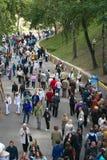 戈梅利,白俄罗斯- 2017年9月16日:假日城市天 许多人民步行在公园 免版税库存照片