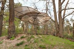戈梅利,白俄罗斯- 2017年4月30日, :一种美好的建筑解答 没有墙壁的树荫处根据休息RANCO 免版税图库摄影