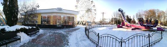 戈梅利,白俄罗斯- 2017年1月31日:伊琳娜餐馆在回顾的轮子的公园 库存照片