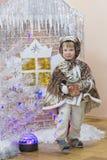 戈梅利,白俄罗斯- 2016年12月22日:新年孩子的` s假日在幼儿园 孩子3 - 4年 库存照片