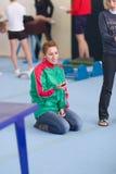 戈梅利,白俄罗斯- 2016年11月19日:2005-2006在杂技的体育竞赛在男孩和女孩中出生 库存照片