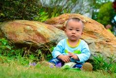 戏剧单独婴孩(亚洲,中国,汉语) 免版税库存图片
