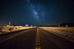 戏曲晚上美丽如画的路晃动天空 库存照片