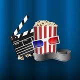 戏院概念元素,影片小条,玉米花桶, clapperboard 免版税库存照片