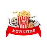 戏院电影传染媒介海报设计模板 玉米花, filmstrip,墙板,票 电影放映时间与红色丝带的背景横幅 皇族释放例证