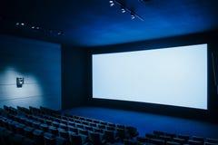 戏院黑暗的电影teather 库存图片