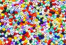 成串珠状五颜六色的种子 库存图片