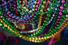 成串珠状五颜六色的gras mardi 免版税库存照片