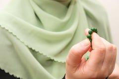 成串珠状伊斯兰祷告 库存照片