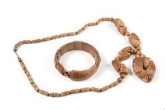 成串珠状木的镯子 免版税库存照片