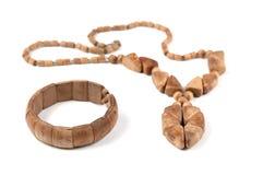 成串珠状木的镯子 免版税图库摄影