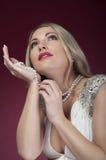 成串珠状美丽的perl妇女 免版税库存照片