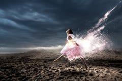 成为的作梦芭蕾舞女演员 混合画法 库存图片