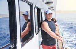 成人夫妇基于游艇 库存图片