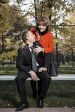 成人长凳夫妇 免版税库存照片