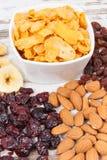 成份或产品当来源碳水化合物、维生素和饮食纤维,健康和滋补吃概念 图库摄影