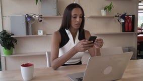 成功的企业家在个人办公室 影视素材