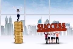 成功的企业队在办公室 免版税库存照片