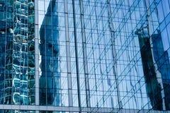 成功的工业建筑学,当代城市建筑的企业概念 库存照片