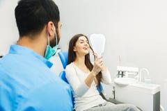 成功的牙恢复 库存图片