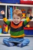 成功的2岁赢取使用数字式的男孩 库存照片