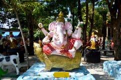成功雕象的Ganesha阁下在Wat轰隆Chak的 免版税库存照片